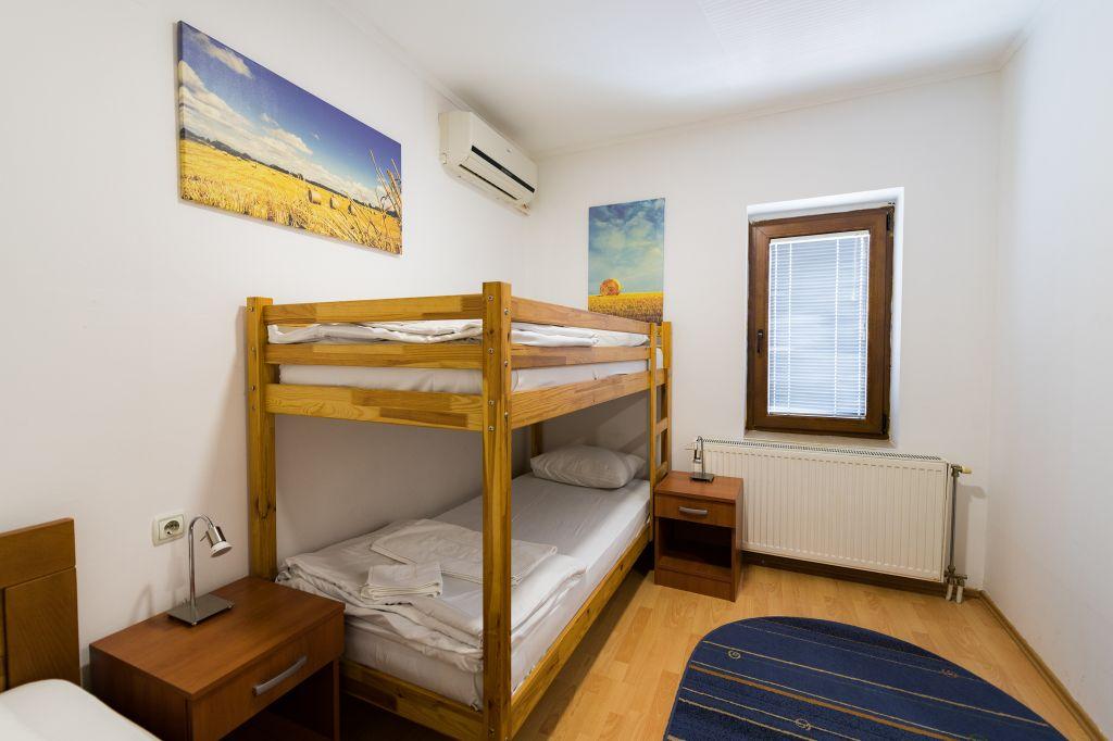 Trokrevetna soba 1